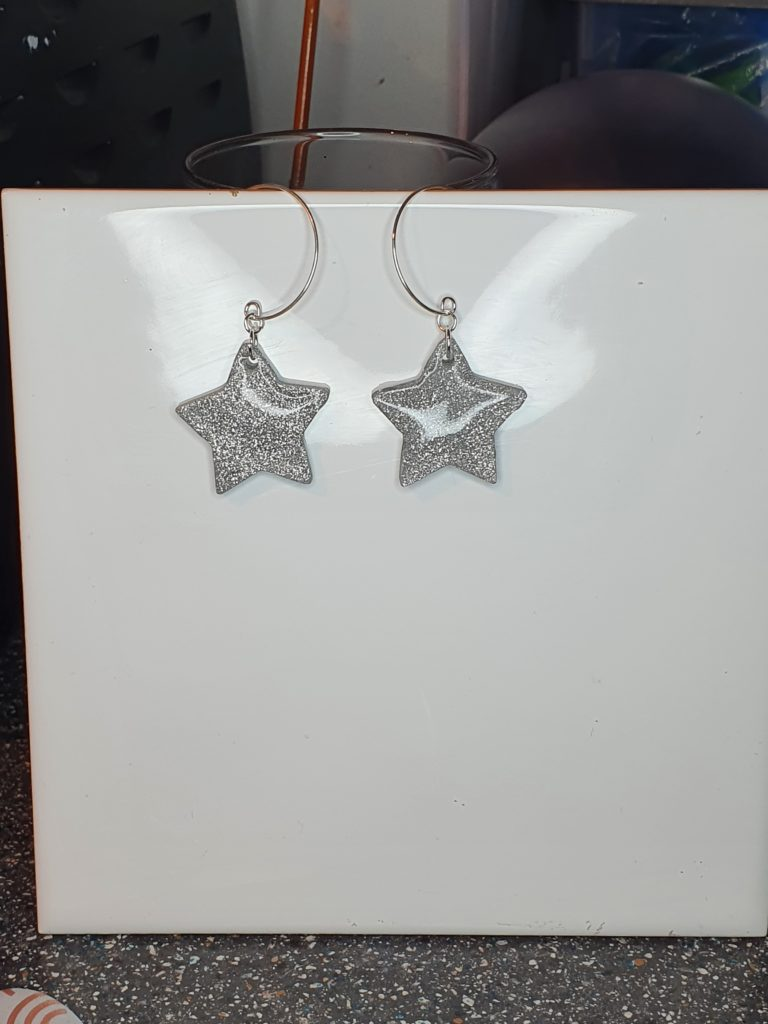Sparkly glitter star hoop earrings - product image 5